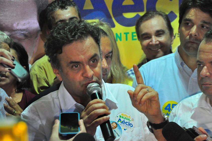 """""""O PSDB não pactua com qualquer acordo que impeça investigações da Petrobras"""", rechaça Aécio Neves"""
